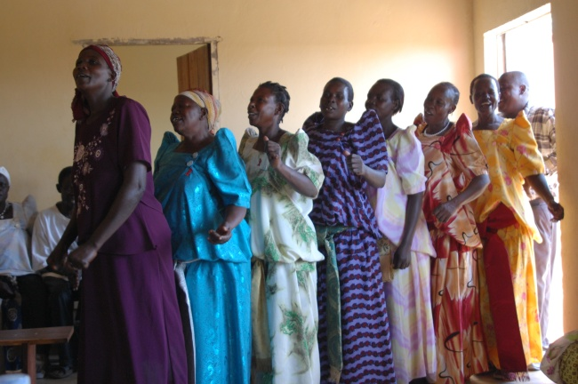 Rarudo AIDS widows singing for hope